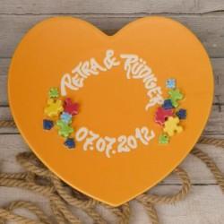Idee regalo matrimonio. Piatto ricordo matrimonio a forma di cuore. Scritto a mano