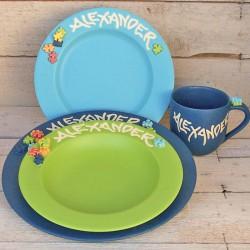 Regali per bambini. Tre piatti, tazza, con nome - set di 4 pezzi